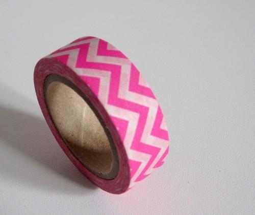 Masking Tape chevrons / rose fluo